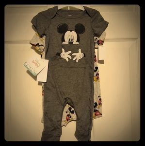 NWT 2 pc. Disney Mickey Mouse set